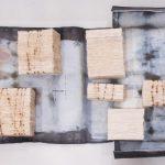 Cicatriz, Paulo Gaiad, 1998. Papel filtro, marcas de arame oxidado, chumbo. 75x37x8cm.