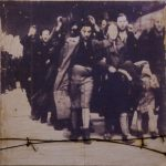 Divina Comédia, Inferno, Prancha 04, Paulo Gaiad, 2003. Fotografia e arame sobre placa de gesso, 40x40cm.