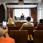 Mesa de debate Poesia, palco e ritmo na 1ª edição do Festival PIPA – Pela Ilha Palavra Amplificada.